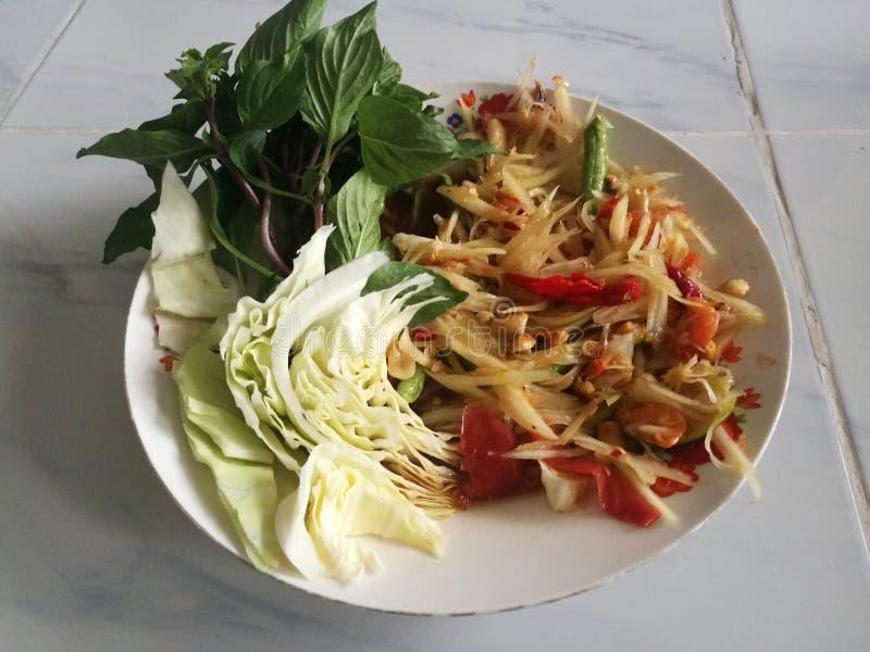 Тайский зеленый салат папапайи, который в Таиланде как как tam сома стоковое фото rf