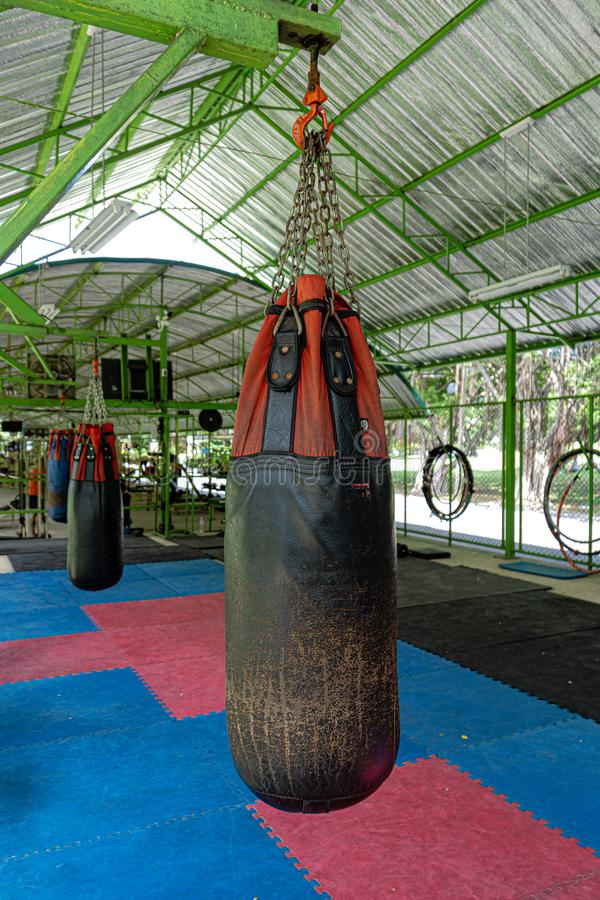 Тайский кладя в коробку на открытом воздухе спортзал в Бангкоке Таиланде стоковое изображение