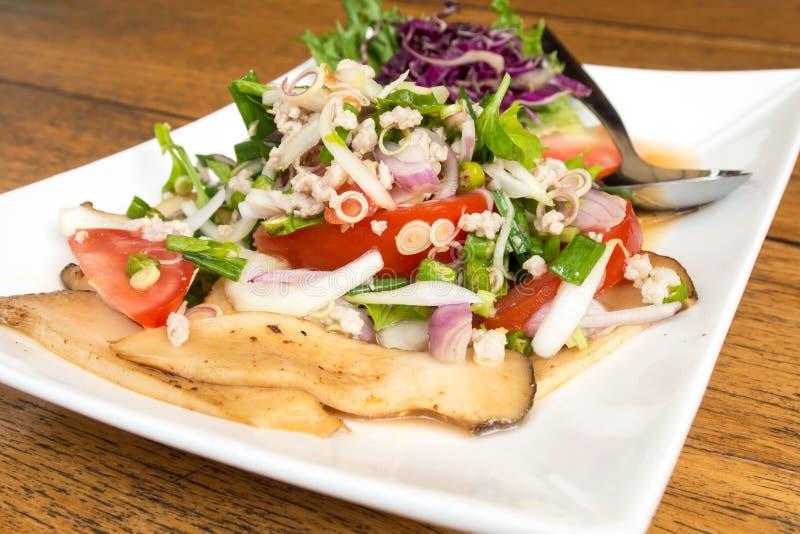 Тайский пряный салат гриба стоковое изображение rf