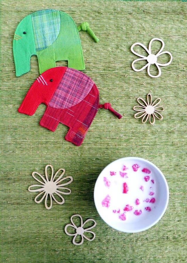 Тайский рубин красного цвета десерта стоковые изображения