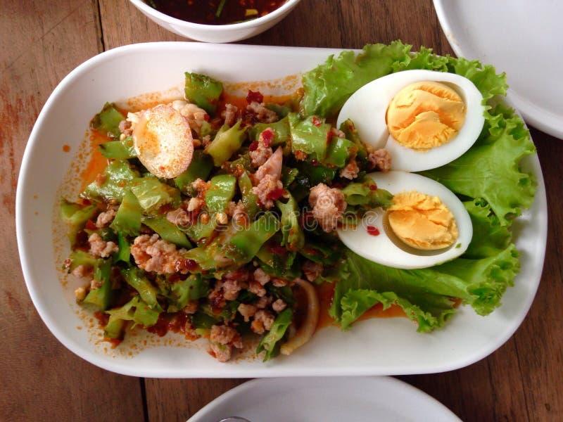Тайский салат фасоли крыла стоковые изображения