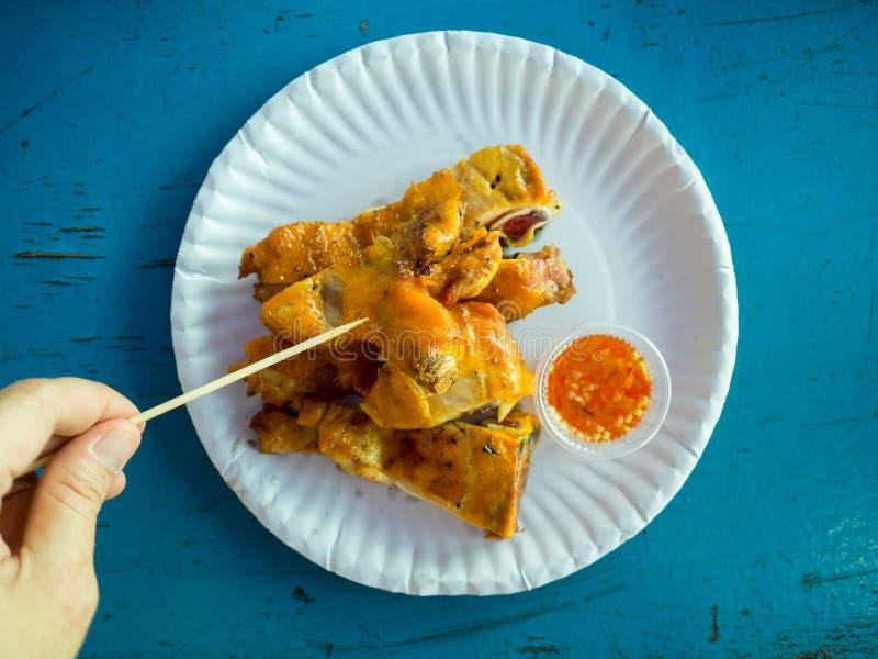 Тайский стиль зажарил комплект цыпленка стоковая фотография