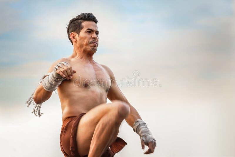 Тайский танец бокса стоковые изображения rf