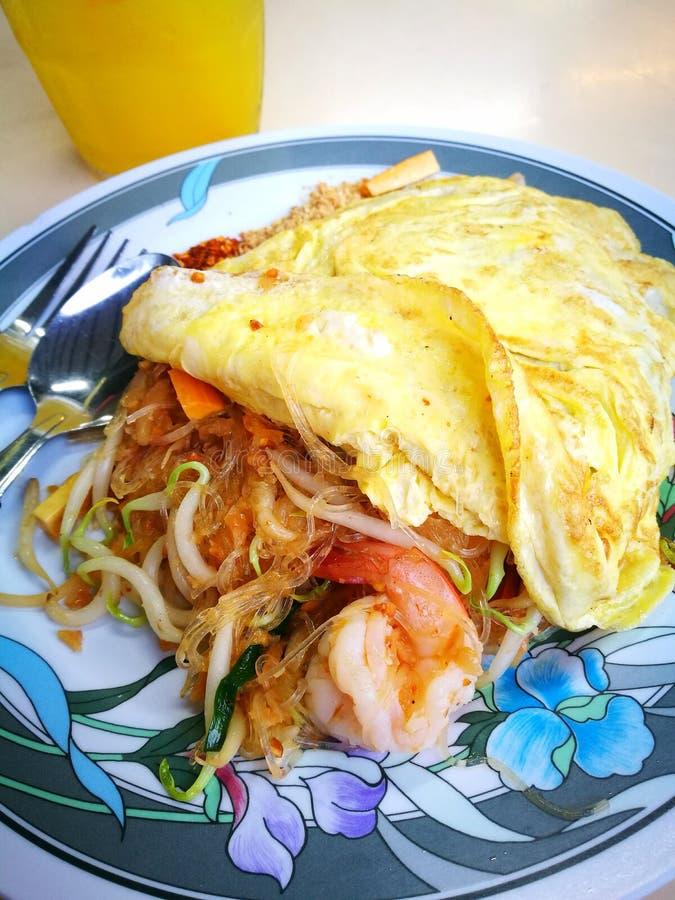 Тайским вермишель еды зажаренная stir стоковая фотография rf