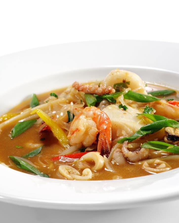 тайское супа продуктов моря пряное стоковое фото rf