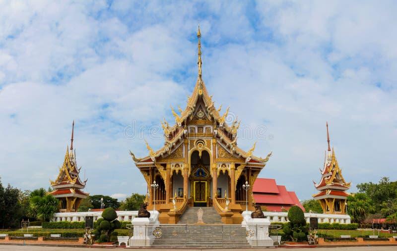 Тайское wat в Таиланде, PA Saeng Arun буддийского виска Wat в Khon Kaen стоковое фото