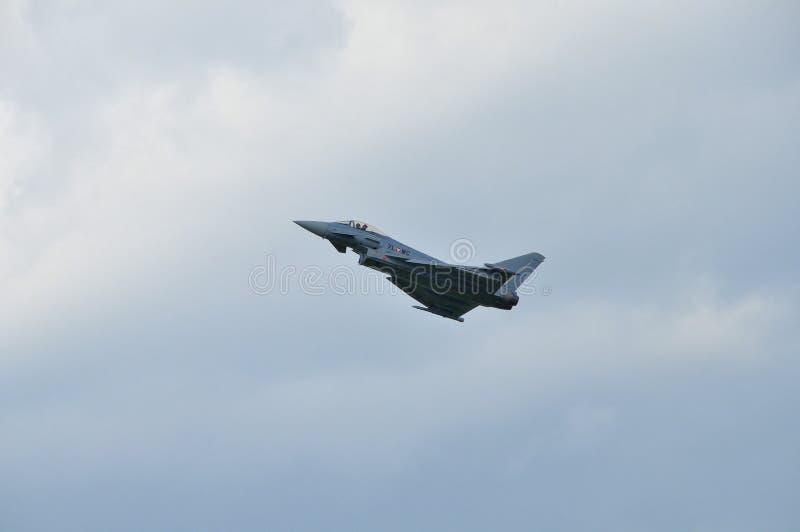 Тайфун Eurofighter на тренируя полете стоковое фото rf