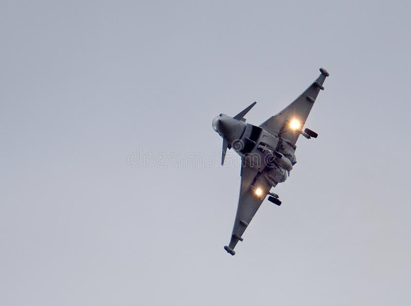 Тайфун Eurofighter, современные быстрые бойцы превосходства в воздухе двигателя стоковые изображения