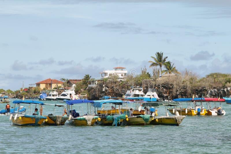 Такси воды в Puerto Ayora, Santa Cruz стоковые изображения