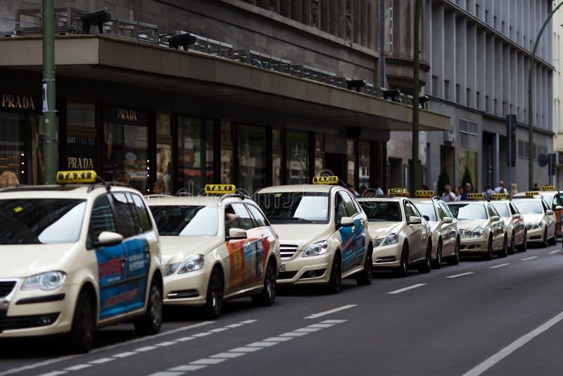 Такси в Берлине стоковые изображения