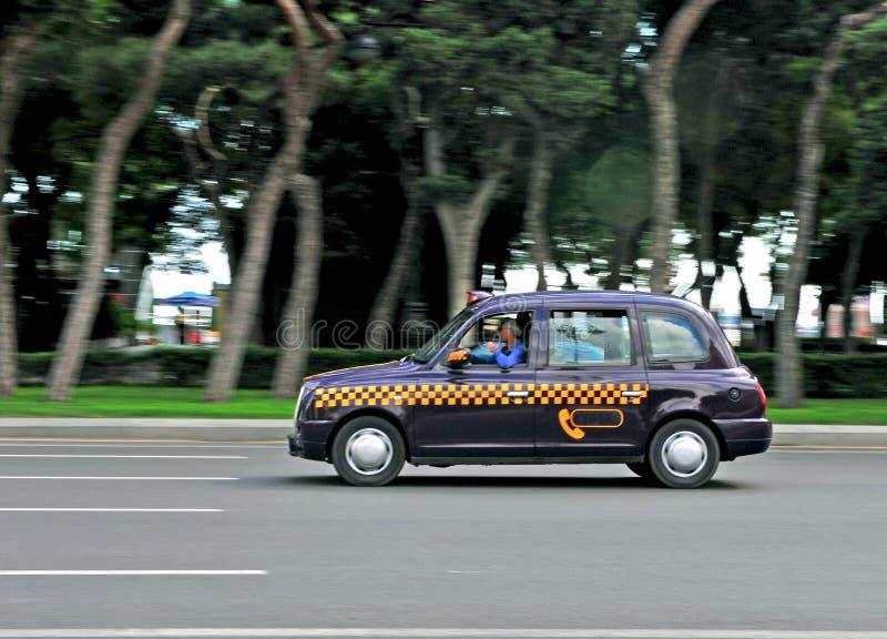 Такси кабины в улице Баку стоковые изображения rf