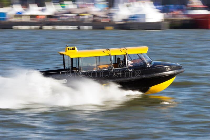 Таксомотор воды стоковое изображение rf