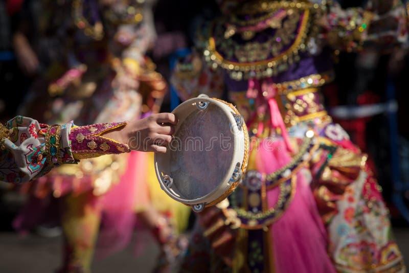 Тамбурин в параде масленицы стоковые фото