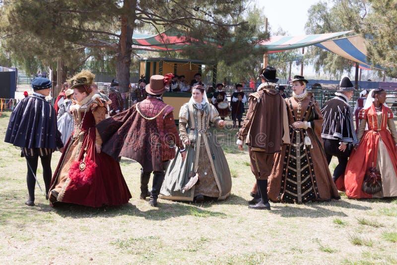 Танец Faire ренессанса стоковое фото