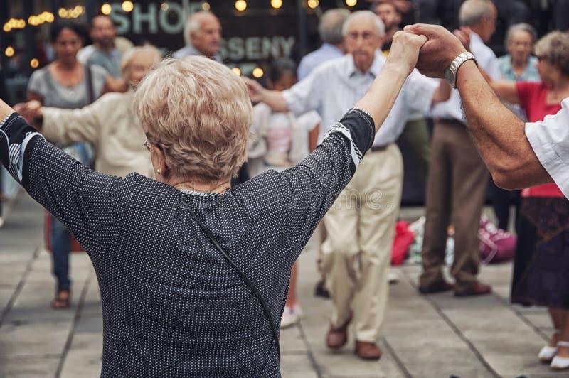 Танец Sardana в Каталонии стоковое фото rf
