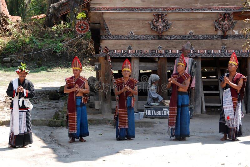 Танец Toba Batak стоковые фотографии rf