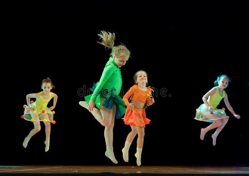 танцевать детей стоковые изображения