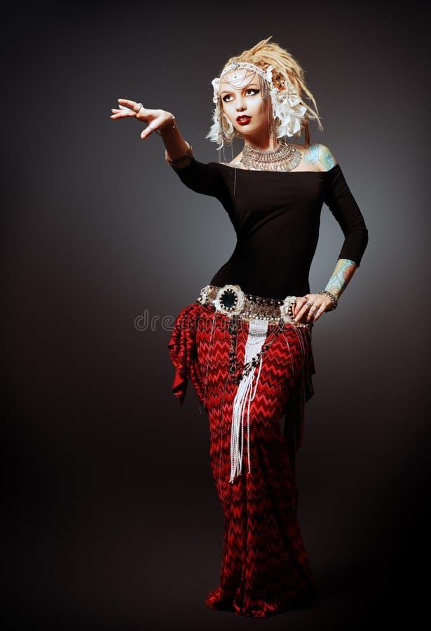 танцевать соплеменный стоковые фотографии rf