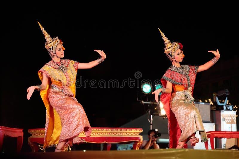 танцевать тайский стоковое фото rf