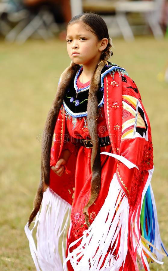 Танцоры вау плена коренного американца стоковые изображения