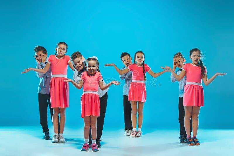 Танцоры детей школы танцев, балета, hiphop, улицы, в стиле фанк и современных стоковые изображения