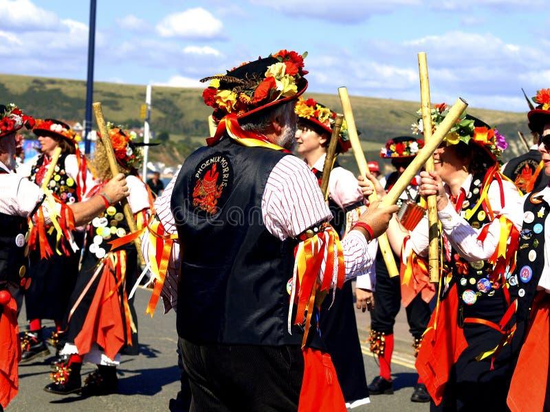 Танцоры Морриса на фольклорном фестивале стоковые фотографии rf