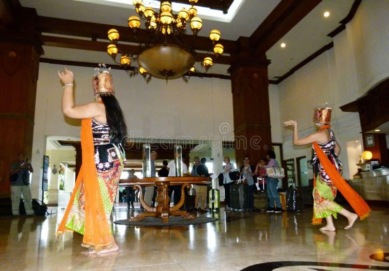 танцоры традиционные стоковая фотография
