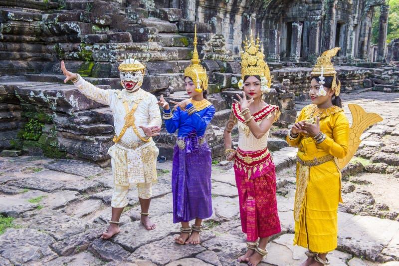 Танцоры Apsara камбоджийцев стоковая фотография