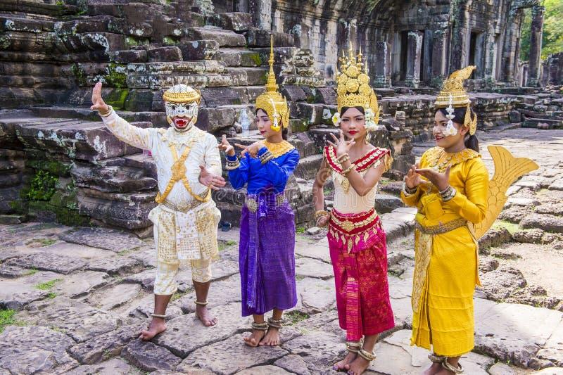 Танцоры Apsara камбоджийцев стоковое фото