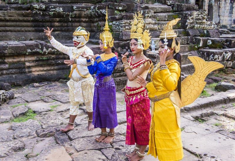 Танцоры Apsara камбоджийцев стоковая фотография rf