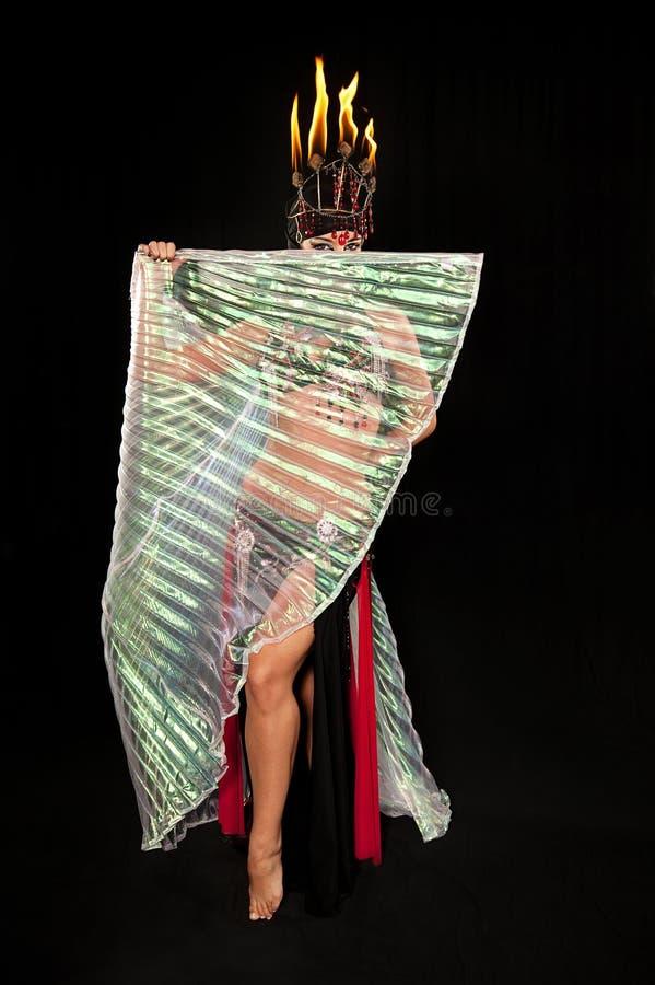 Танцор живота с крылами Isis стоковая фотография rf