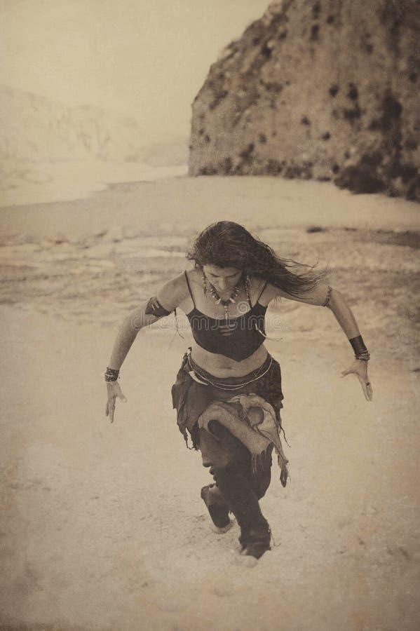 Танцор мистической силы стоковые изображения