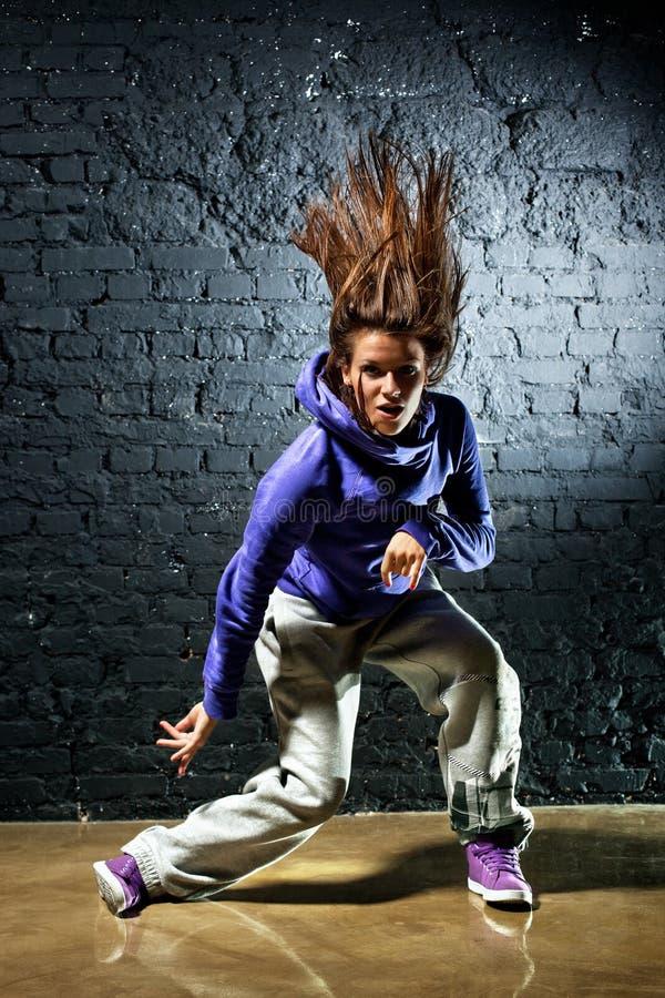 Танцор молодой женщины стоковые изображения rf