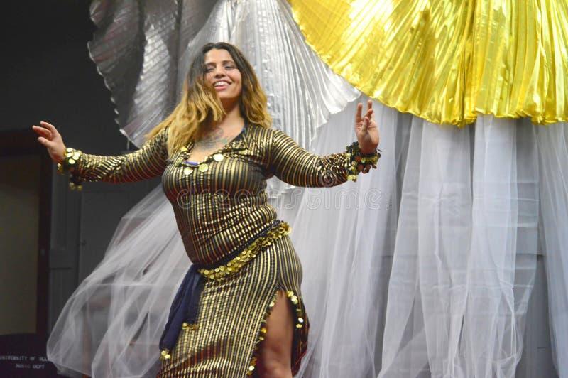Танцор самбы стоковая фотография
