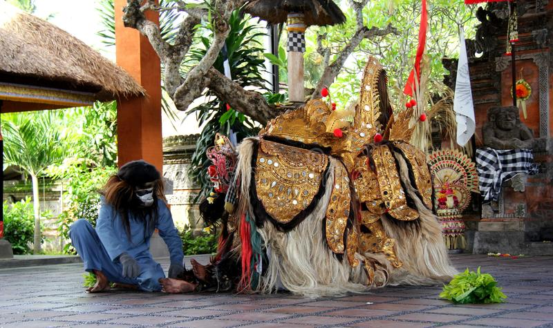 танцулька Индонесия barong bali стоковые фотографии rf