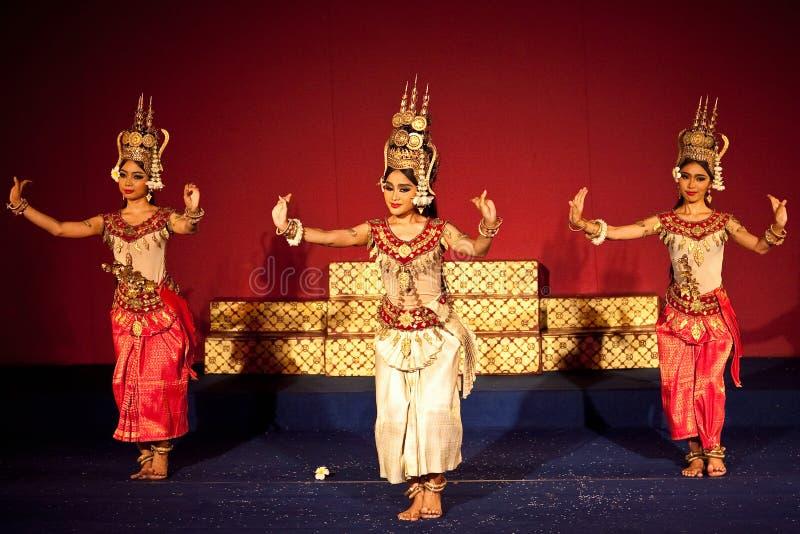 Танцулька Apsara, Камбоджа стоковые фото