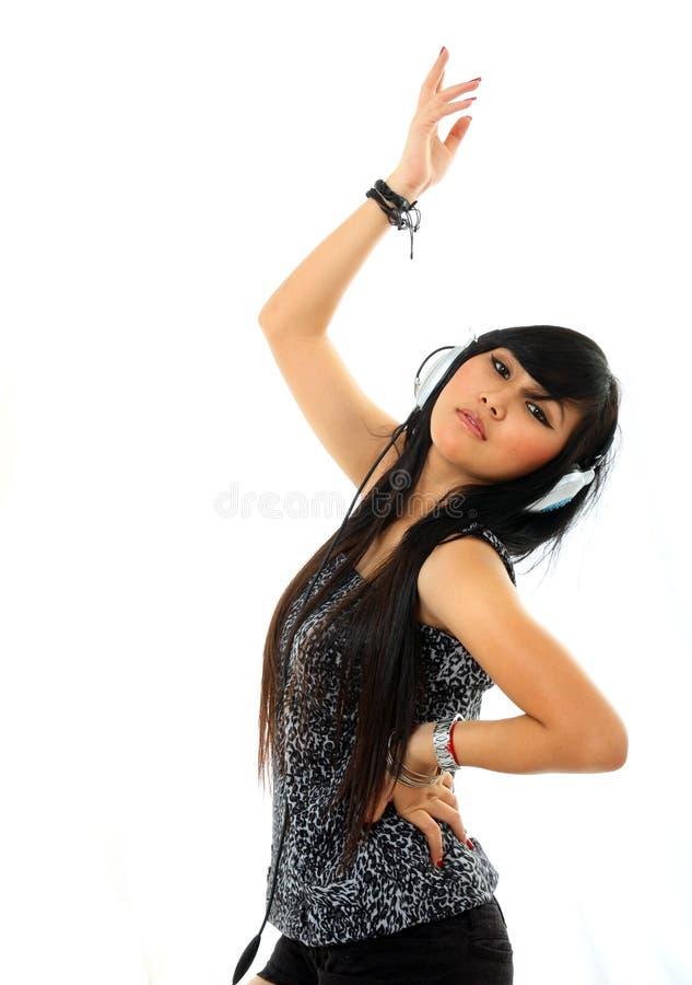 танцуя милая женщина стоковая фотография