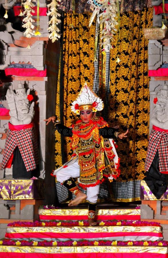 танцулька balinese традиционная стоковое фото