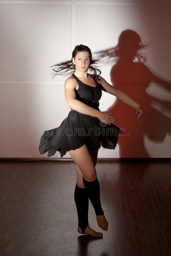 танцы балерины стоковая фотография rf