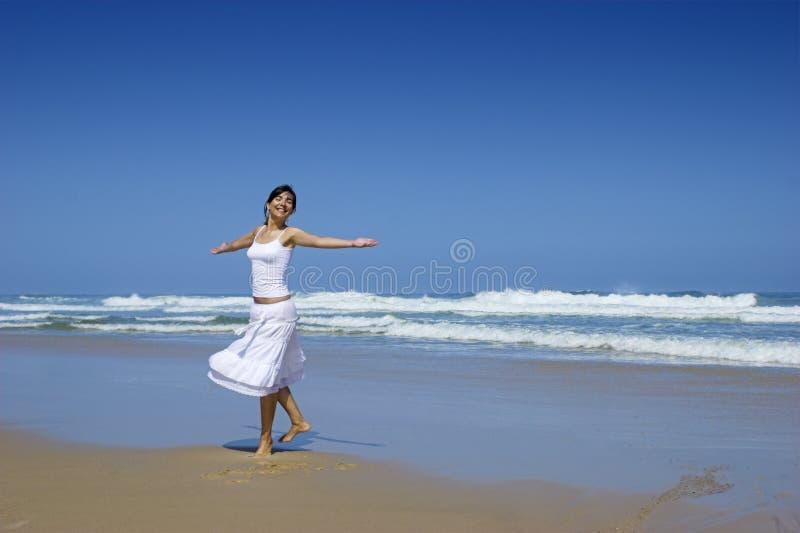 танцы красотки стоковое фото rf