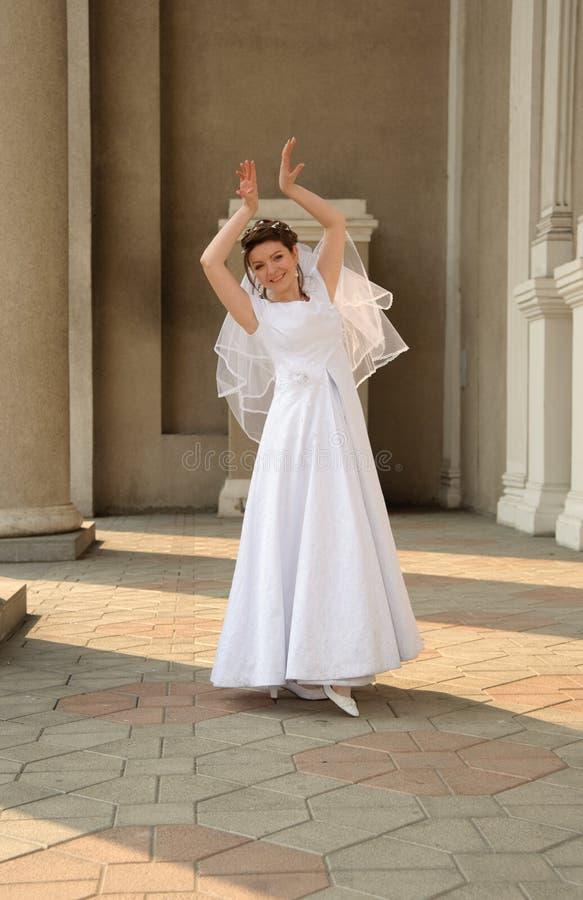 танцы невесты стоковые фото
