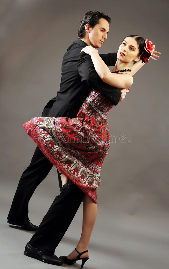 танцы пар стоковые фото