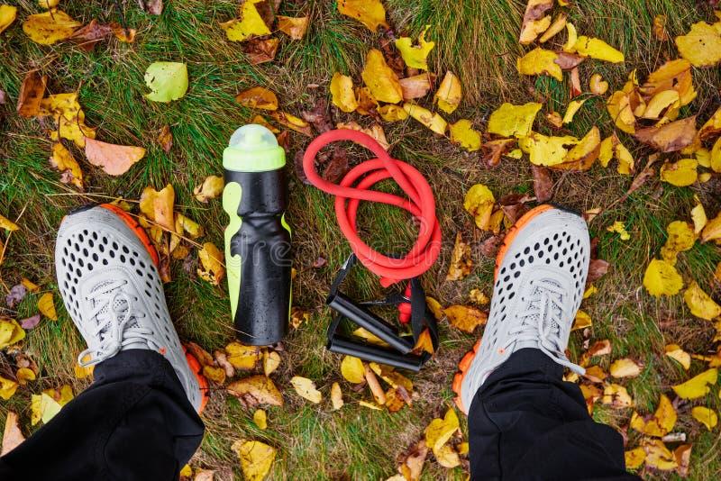 Тапки и sportive оборудование стоковая фотография