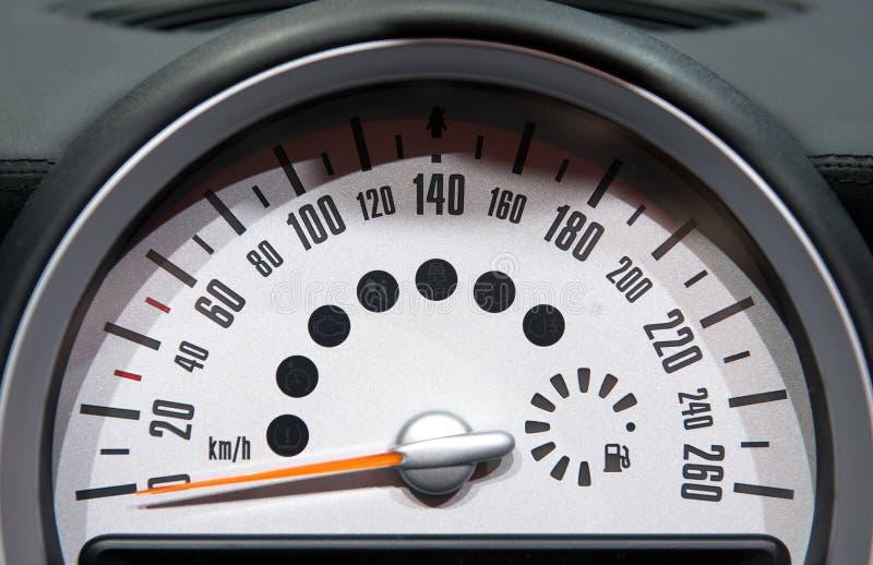 Download Тахометр автомобиля стоковое изображение. изображение насчитывающей технология - 33731425
