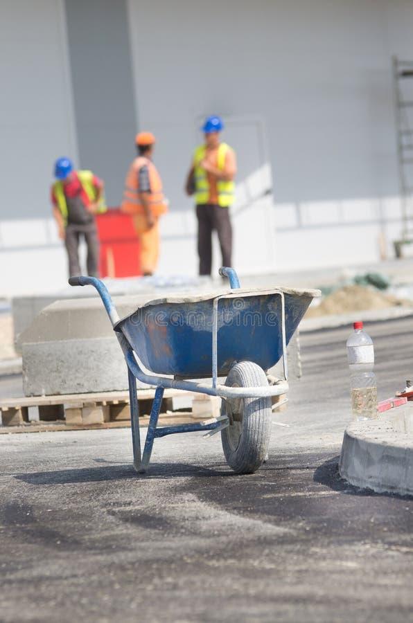 Тачка на строительной площадке стоковые фото