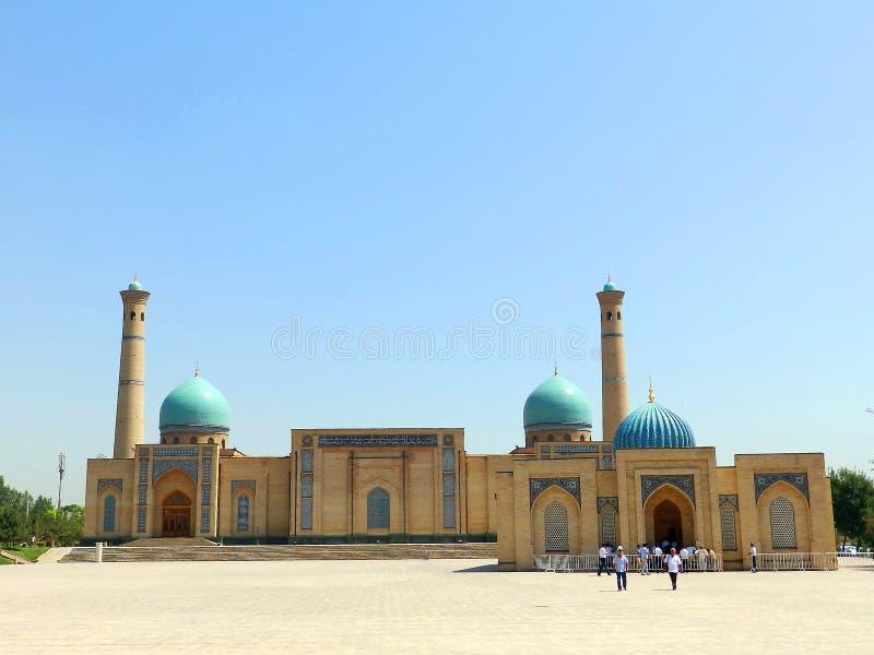 Ташкент, Узбекистан, 14 АВГУСТА 2018 ГОДА: Мечеть Хаст-Имам в комплексе Хазрат Имам стоковые фото