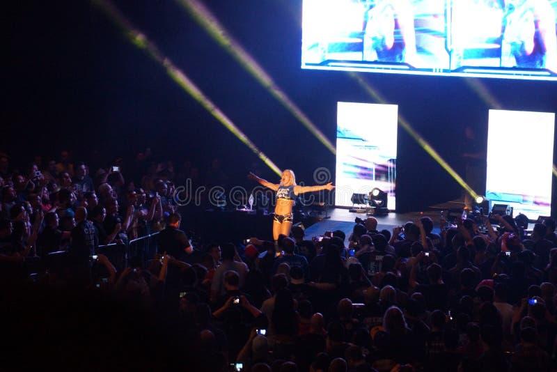 Талант Шарлотты борцов NXT женский и делает сватать по мере того как она входит в стоковые фотографии rf