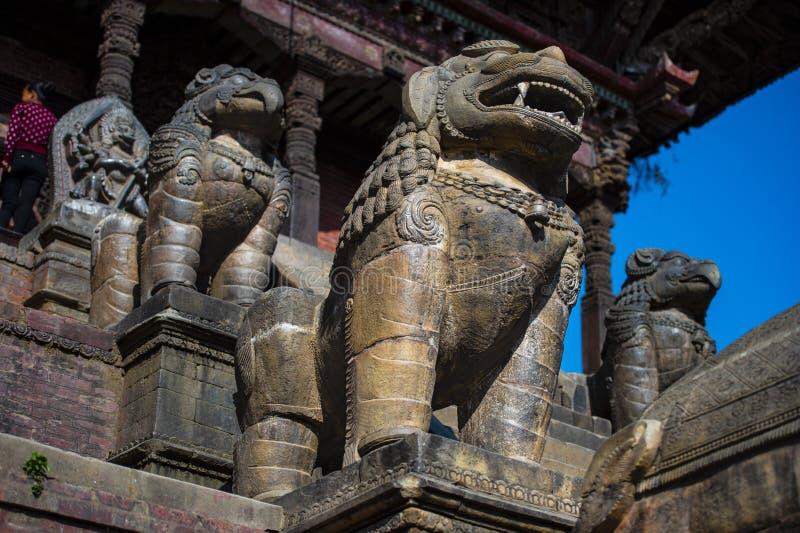 Тварь Индуизма мифологическая, статуи Bhakyapur, Непала стоковая фотография rf