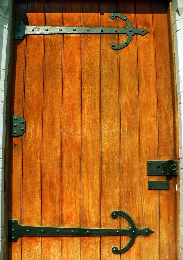твердое тело mahogany двери стоковая фотография rf