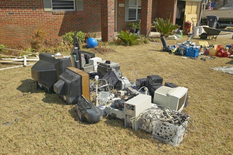 Твердые частицы перед домом тяжело ударили ураганом Иваном в Pensacola Флориде стоковое изображение